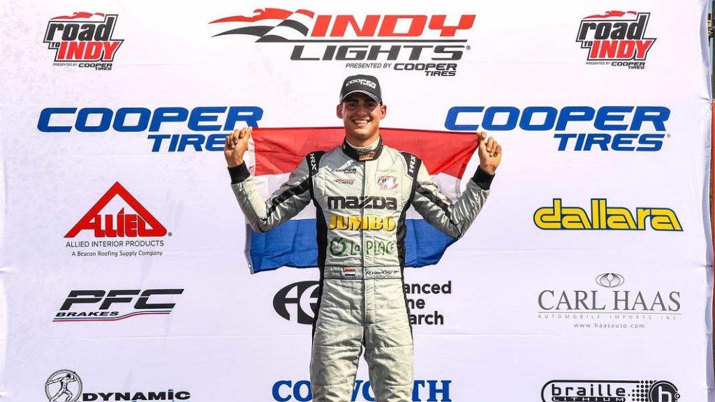 Van Kalmthout viert zijn Indy Lights-overwinning in St. Petersburg