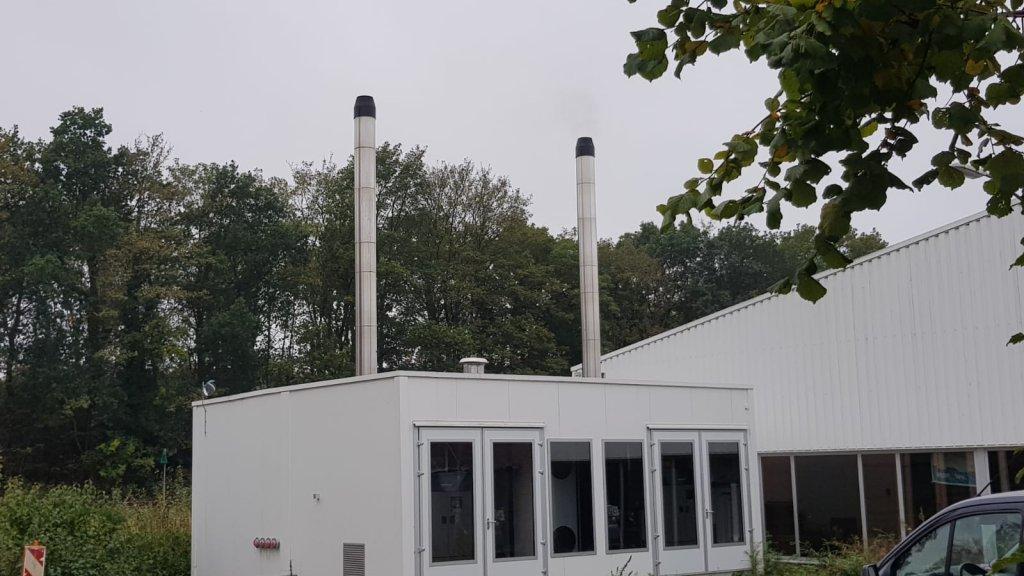 De biomassa-installatie vlakbij het huis van Otto Schröder