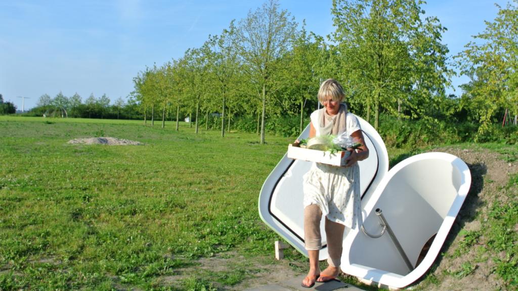De Groundfridge wordt ingegraven in de tuin en gebruikt geen stroom