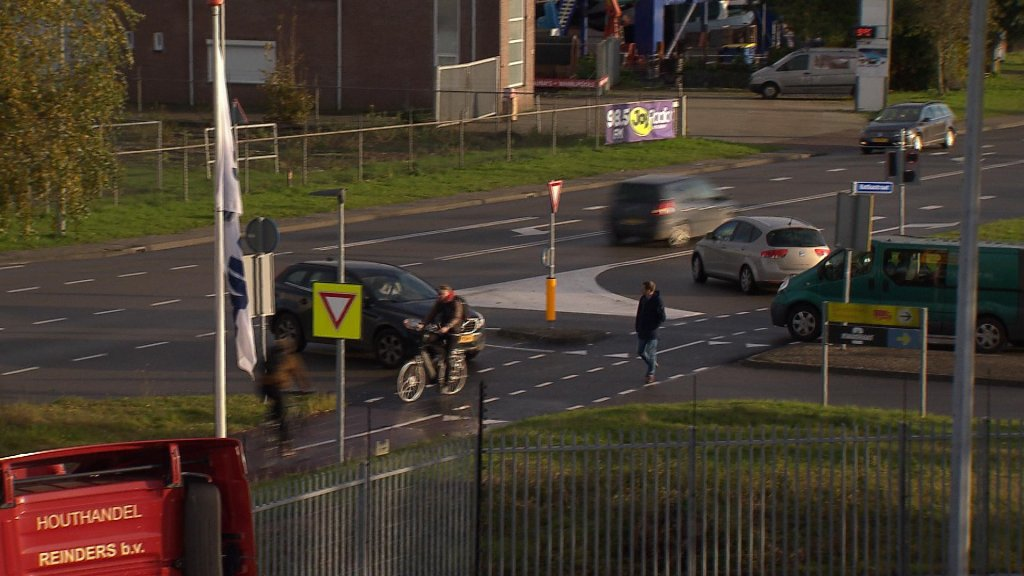 Op het kruispunt van de Kotkastraat en de Bornholmstraat in Groningen waren de afgelopen drie jaar 30 ongelukken.