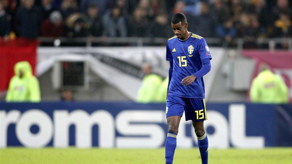Alexander Isak tijdens de wedstrijd Roemenië-Zweden