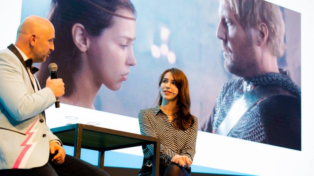 Stefanie Joosten is beroemd als game-model