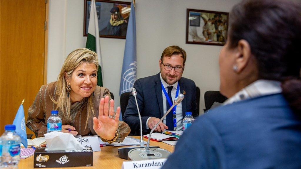 Koningin Máxima bij het UNDP (VN-Ontwikkelingsprogramma) in Pakistan.