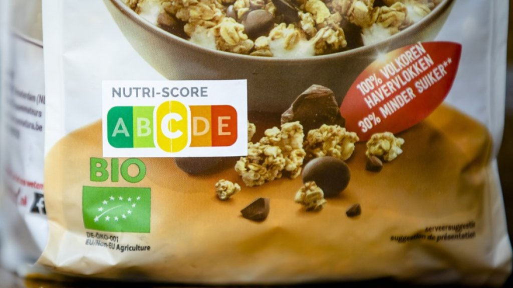 Logo op ontbijtgranen tijdens de presentatie van een onderzoek naar Nutri-Score