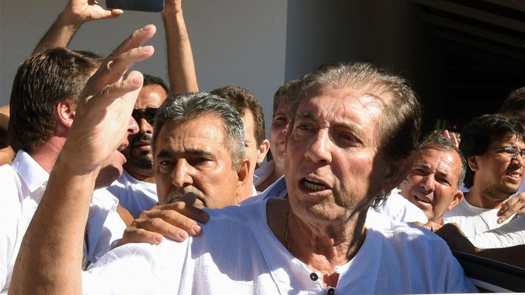 De 76-jarige João Teixeira de Faria wordt ervan verdacht op grote schaal vrouwen seksueel te hebben misbruikt.