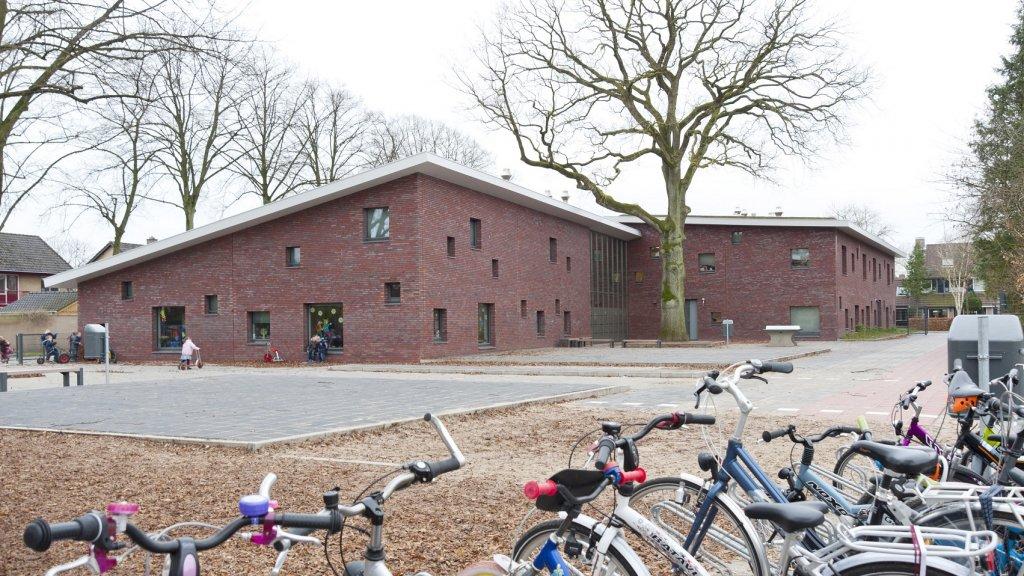 Veldhuizerschool is zodanig geïsoleerd dat alleen lichaamswarmte de ruimte  verwarmt