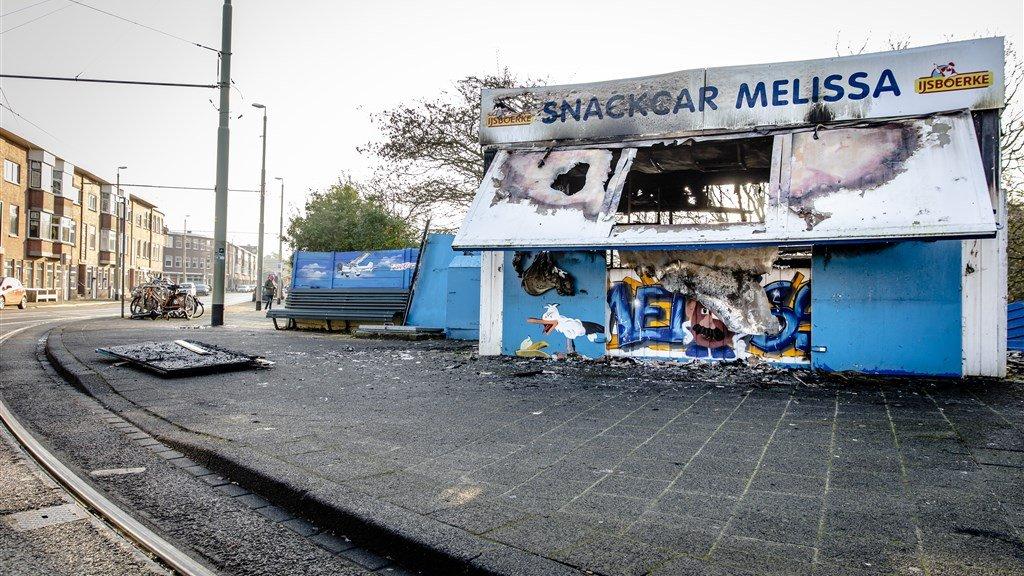 Een afgebrande snackbar in de wijk Duindorp.