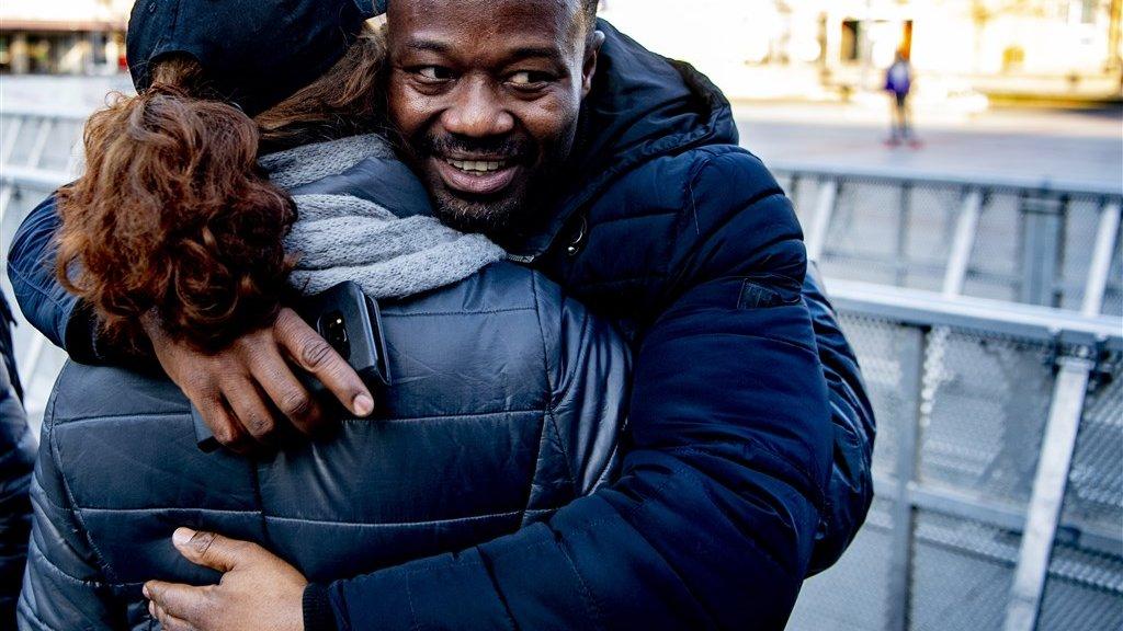 Jerry Afriyie tijdens een demonstratie op het Stadhuisplein van Eindhoven.