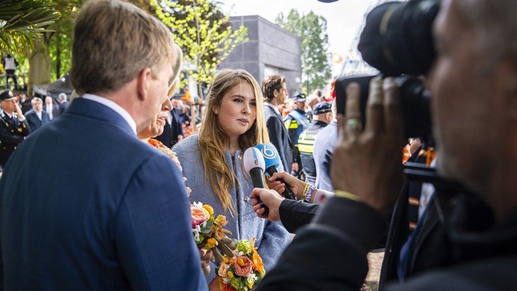 Amalia (15) geeft haar eerste televisie-interview tijdens Koningsdag in Amersfoort.