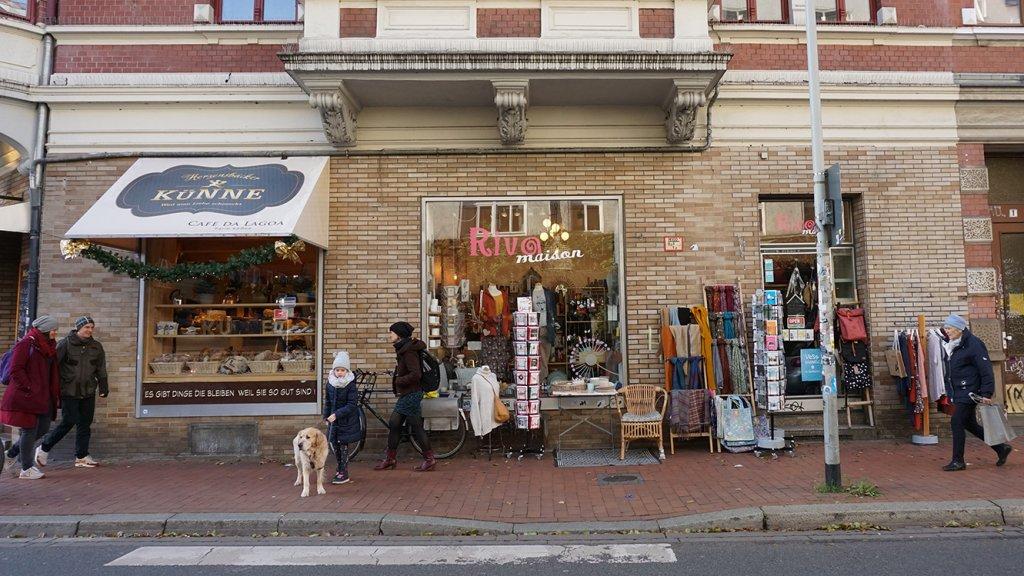 Geen grote ketens, maar originele winkels en boetiekjes in Linden.