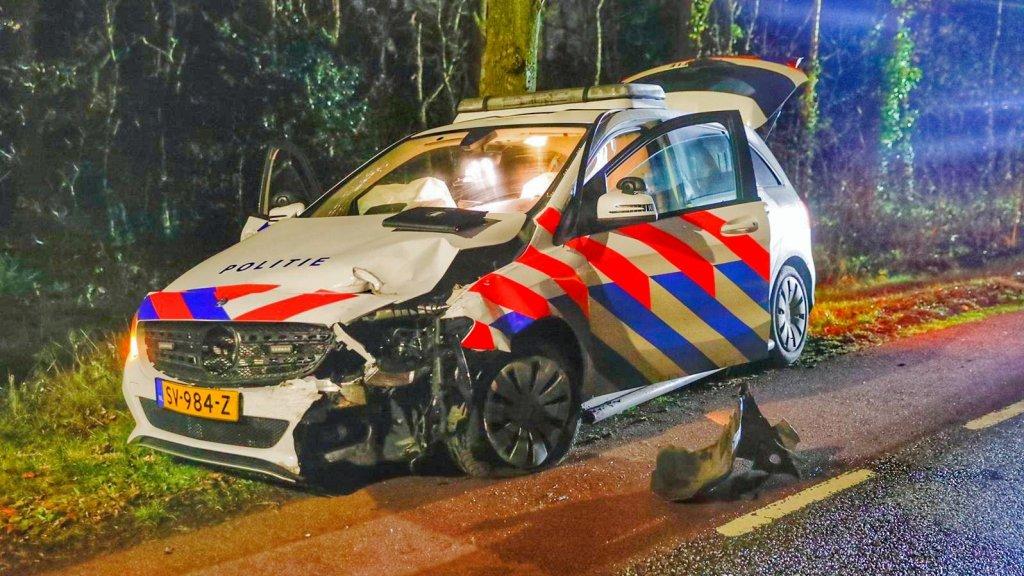 De agenten konden de gestolen auto niet meer ontwijken