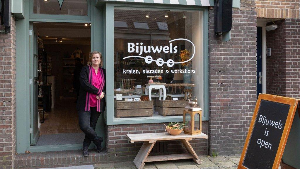 Bianca Kok heeft nu een eigen kralenwinkel.