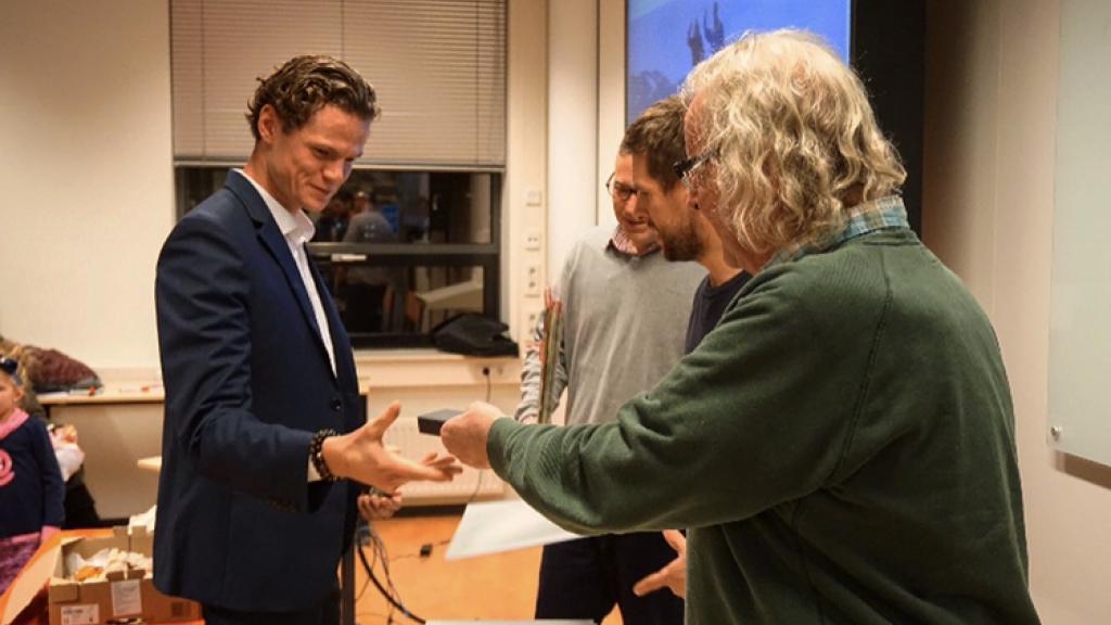 Thom van der Linden als docent aardrijkskunde