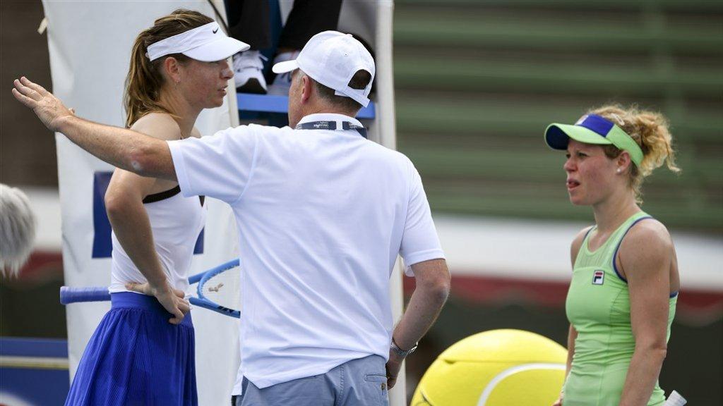 Tennissters Maria Sharapova en Laura Siegemund besluiten te stoppen.