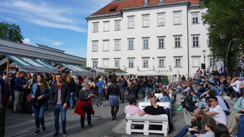 De populaire streetfood markt Odprta Kuhna.