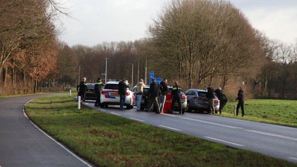 De arrestatie van drie verdachten bij Wehl.