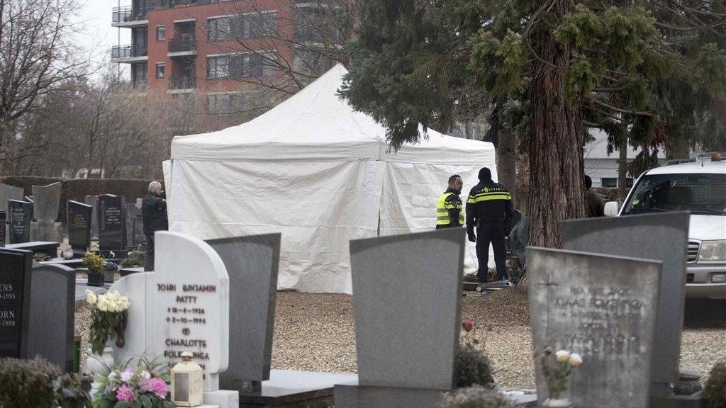 De politie zoekt vandaag op een begraafplaats in Maastricht naar het lichaam van Tanja Groen.