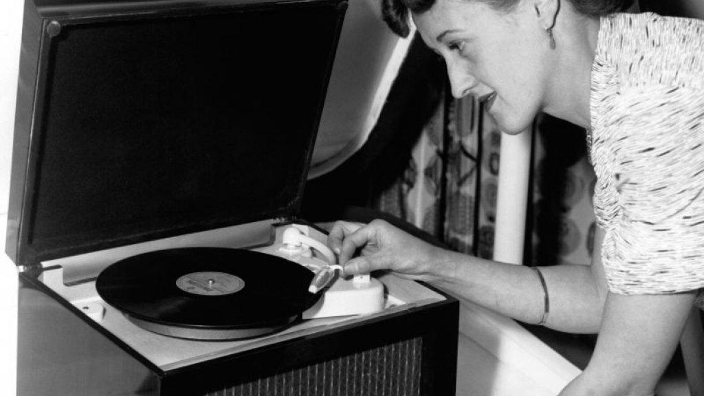 Een platenspeler uit 1954