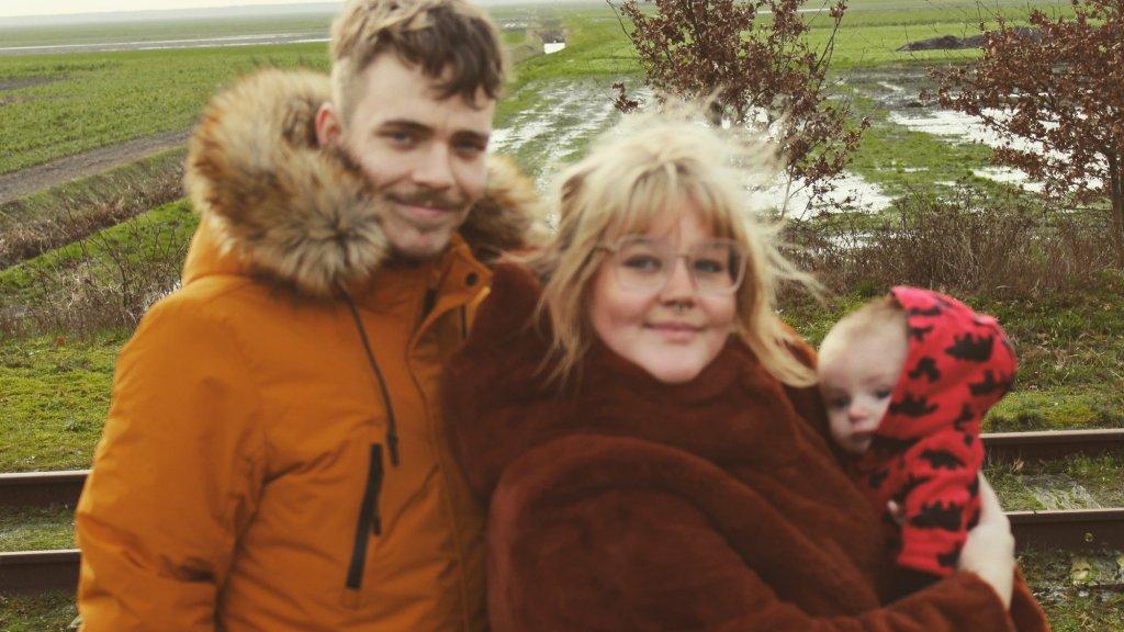 Echika met man Mark en baby Shane