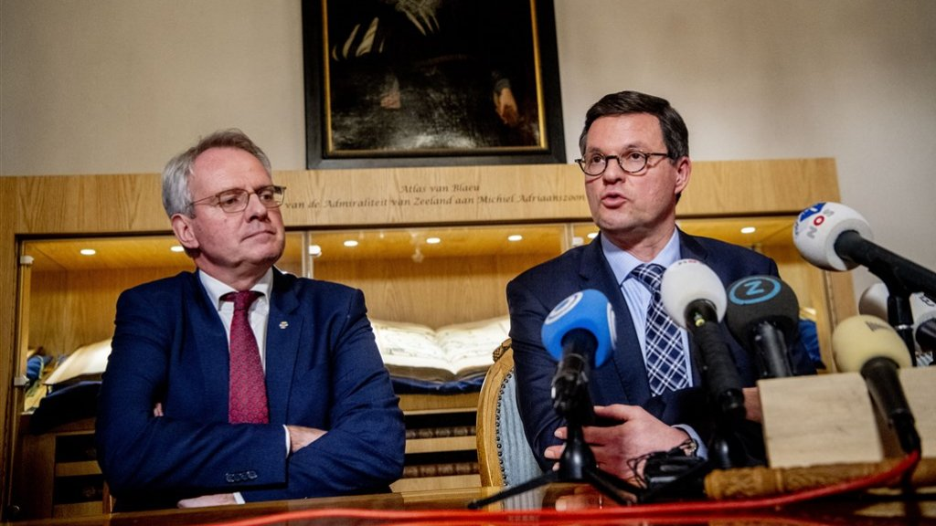 Commissaris van de Koning Han Polman (links) en Bas van den Tillaar, burgemeester van Vlissingen.