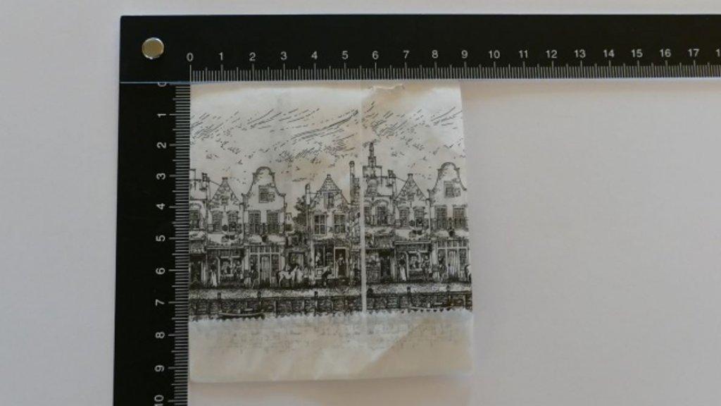 De explosieve stof zit in dit soort zakjes.