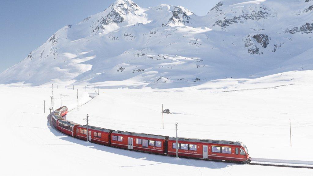 Met de trein langs de Zwitserse Alpen.