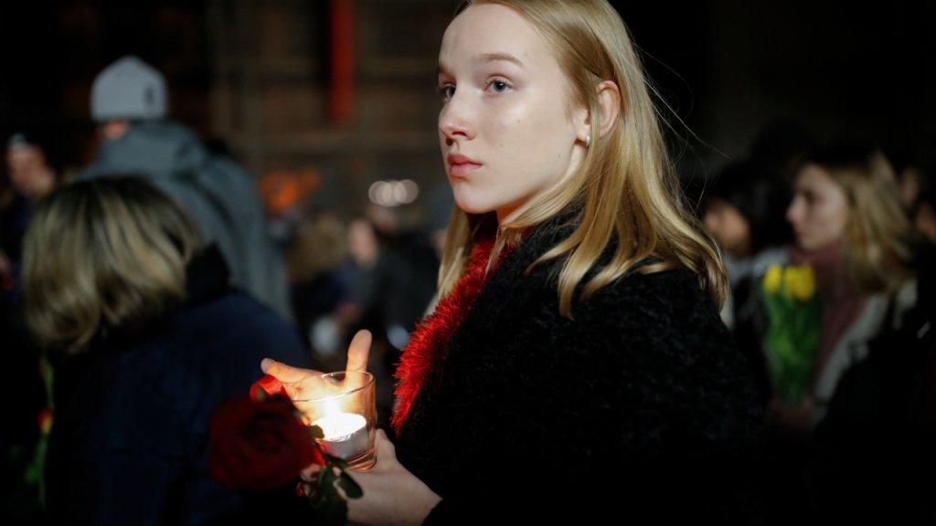 Duizenden mensen herdenken slachtoffers aanslag Hanau