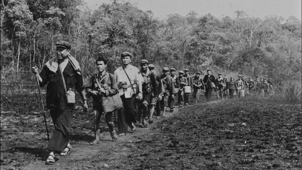 Pol Pot met zijn Rode Khmer in de jungle, in 1979.