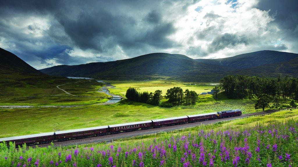 Met een luxe trein door het Schotse landschap.