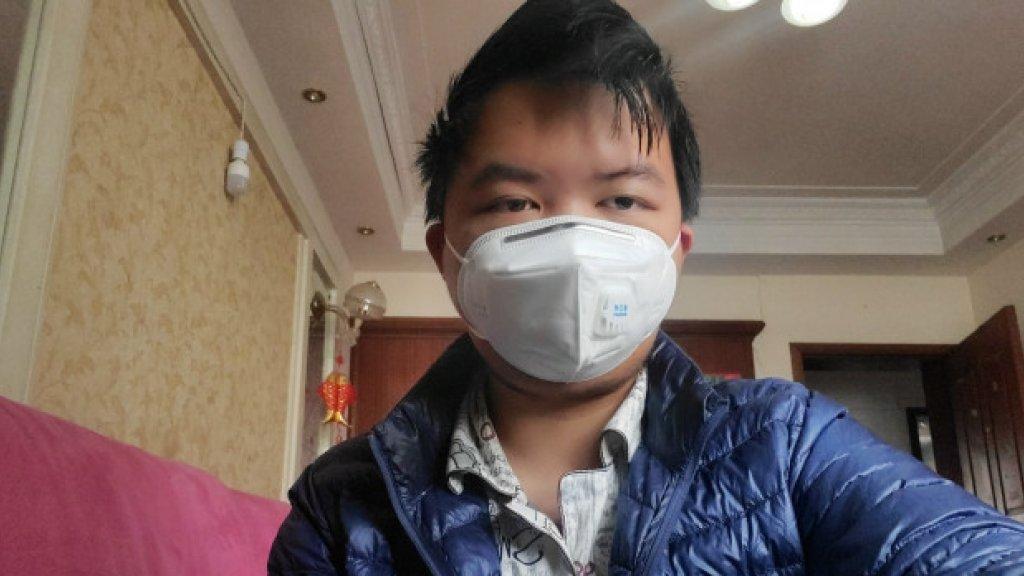 Tiger Ye in zijn huis in Wuhan