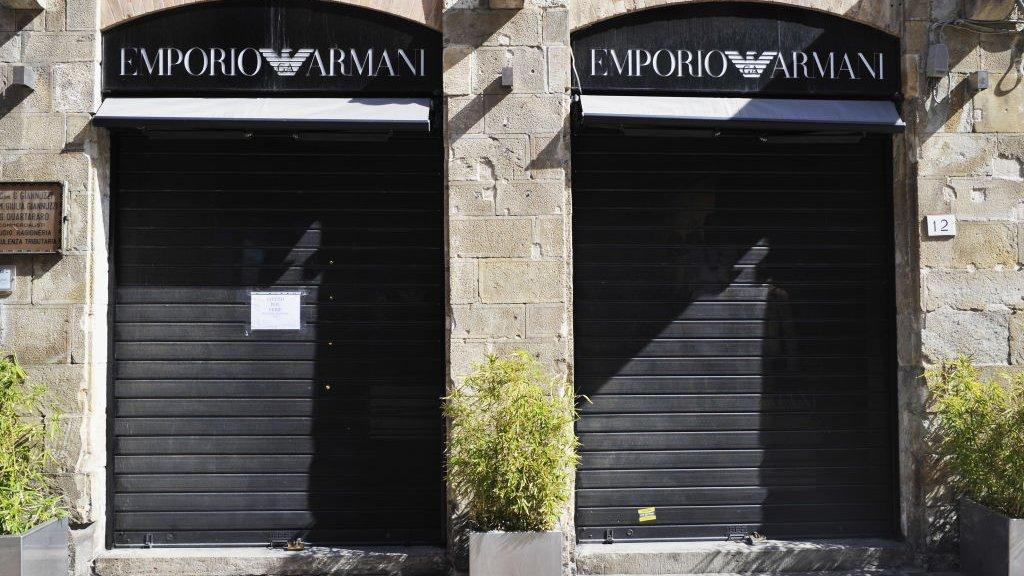 Een winkel van Armani in Pisa: voorlopig gesloten