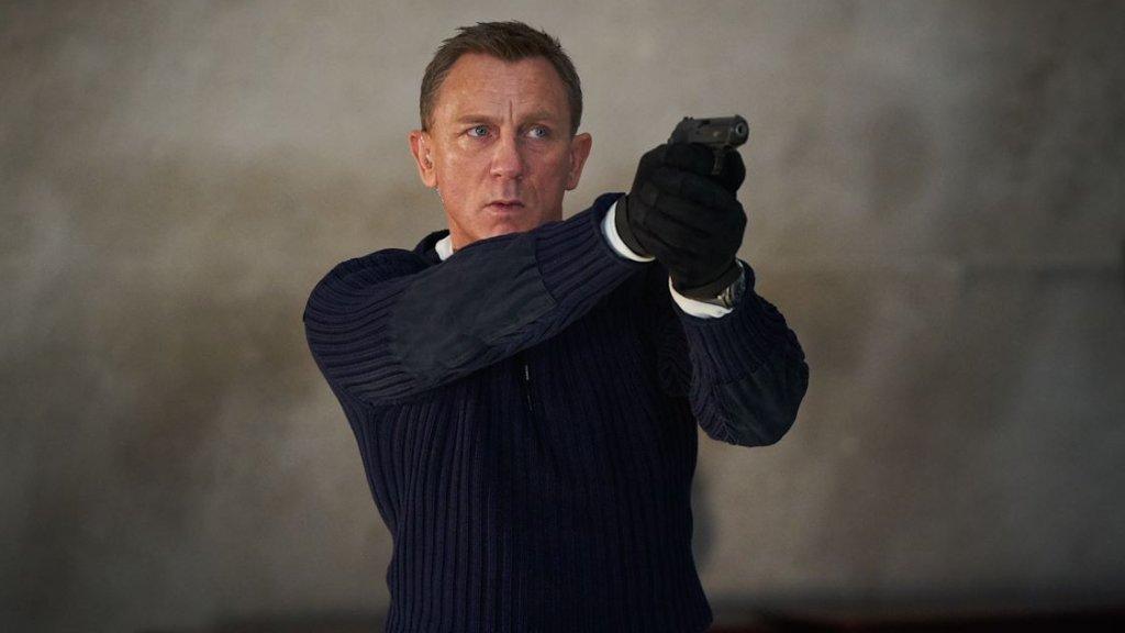 Still uit de verplaatste James Bond-film No Time to Die.