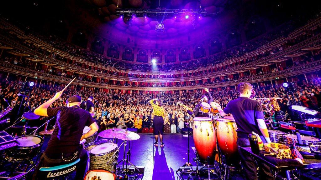 Caro Emerald in de Royal Albert Hall, waar Wouter Vellekoop mee naartoe mocht.