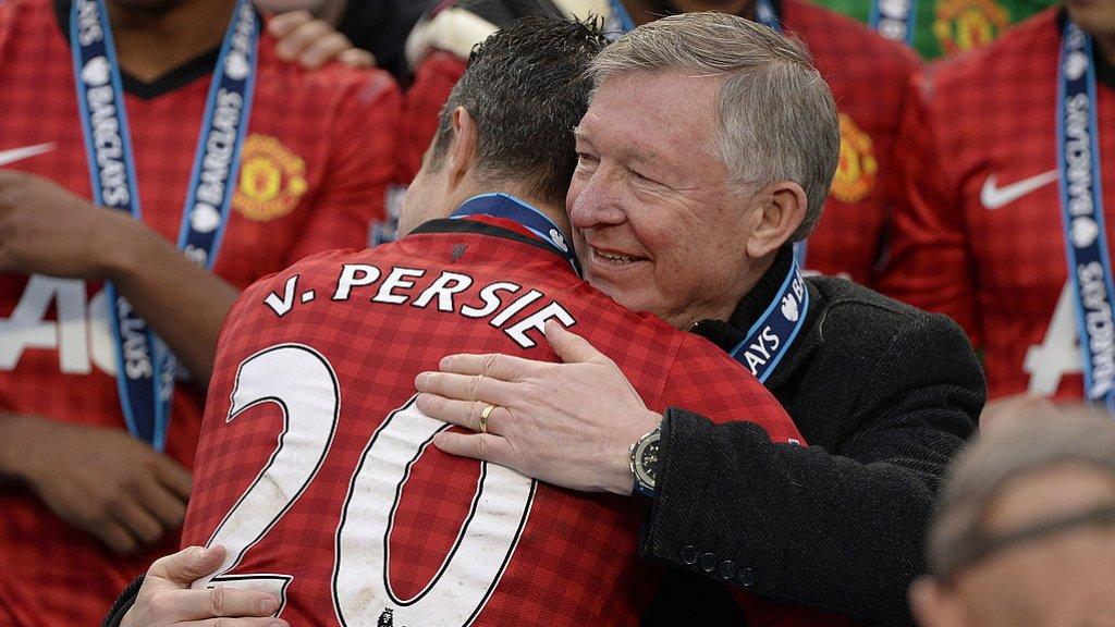 Uiteindelijk werd Manchester United met 11 punten voorsprong kampioen van Engeland.