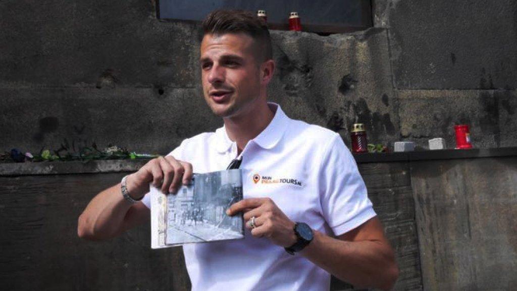 Joshua Jannink tijdens een van de tours.