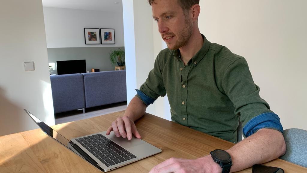 Peter Joosten doet met zijn smartwatch mee aan een groot onderzoek.