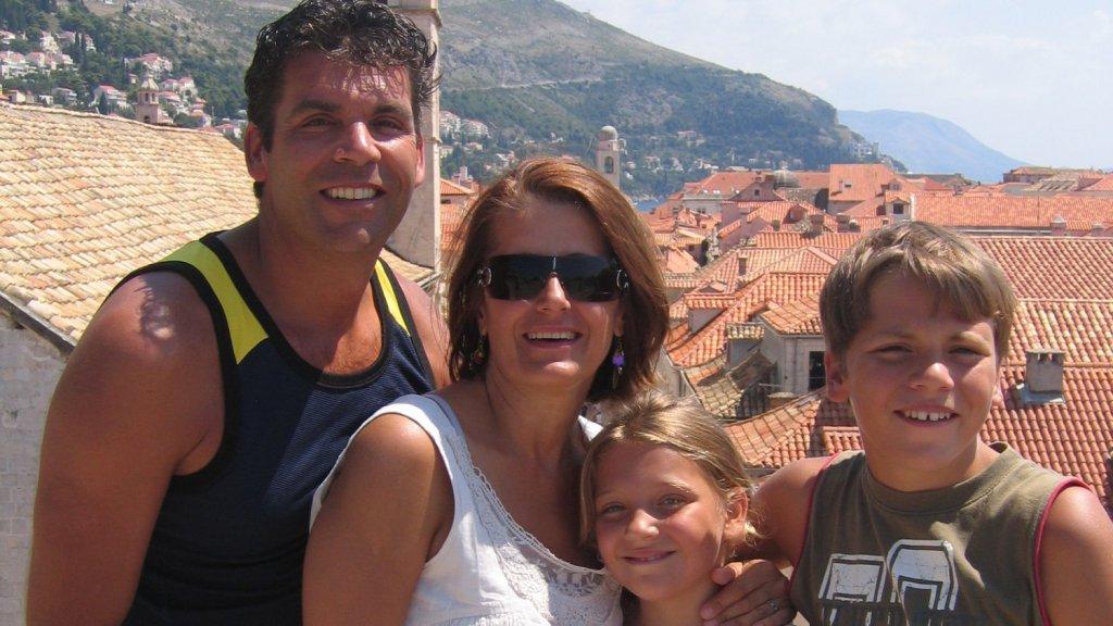 Marina nam het gezin mee naar de Balkan, waar ze vandaan komt.