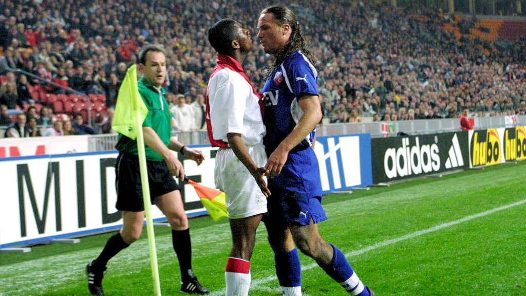 De halve finale van de KNVB Beker tegen Ajax 2, Utrecht won de beker in 2003