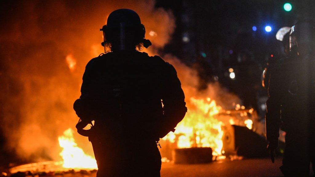 Aan het eind van de demonstratie braken er toch rellen uit.