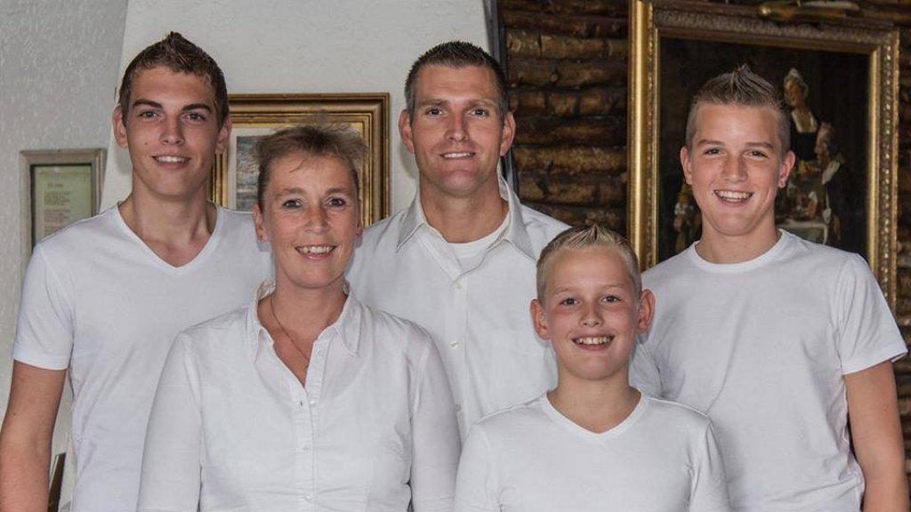 Irene met haar zoons en man
