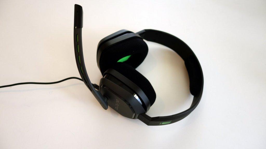 A10: Eenvoudig ontwerp, geen draaiende oorschelp