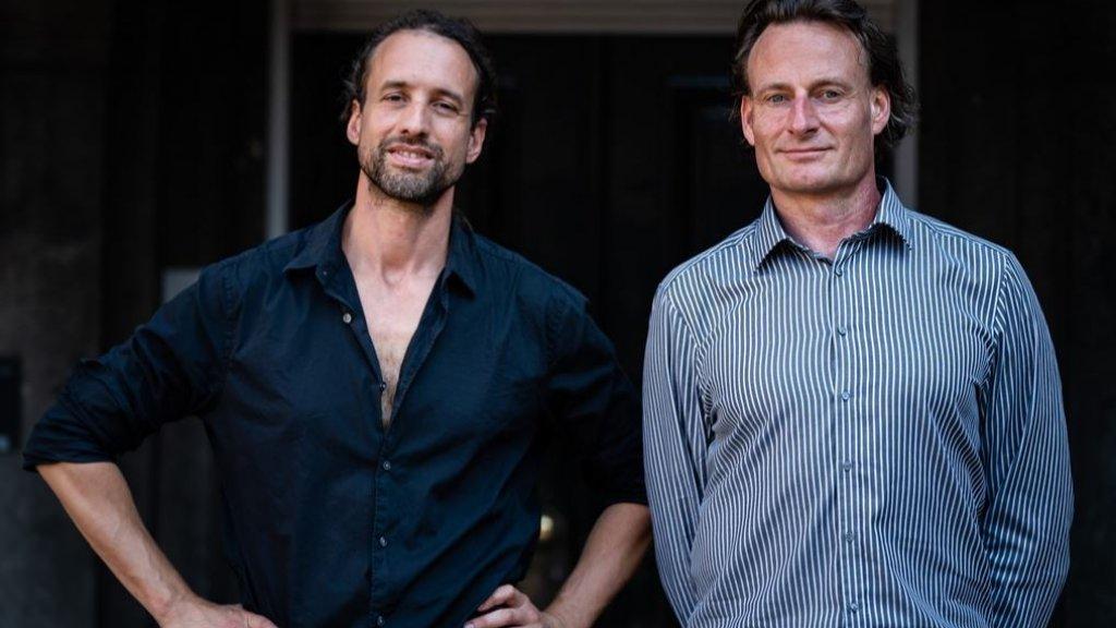 Willem Engel (links) en Jeroen Pols van 'Viruswaarheid'