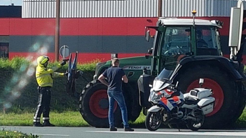 Agent trekt pistool bij aanhouding demonstrerende boer