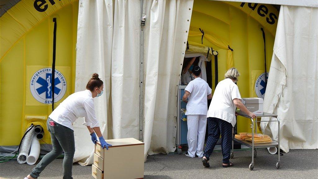 Een extra veldhospitaal in Lleida om de patiënten te kunnen behandelen