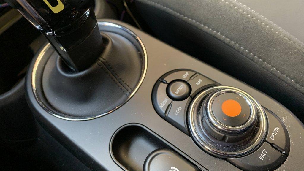 Het schermpje blijft vetvrij als je deze knop gebruikt
