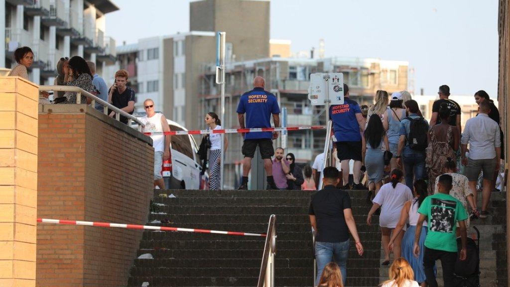 Het was heel druk op het strand toen de steekpartij gebeurde.