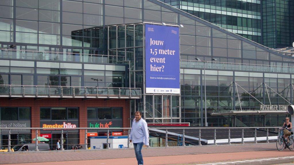 De passagiersterminal in Amsterdam probeert anderhalvemeterevenementen binnen te halen