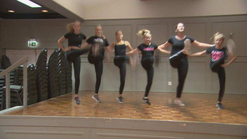 De dansgarde in Giesbeek blijft repeteren