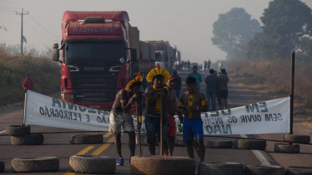 Inheemse bewoners protesteren tegen exploitatie van de Amazone