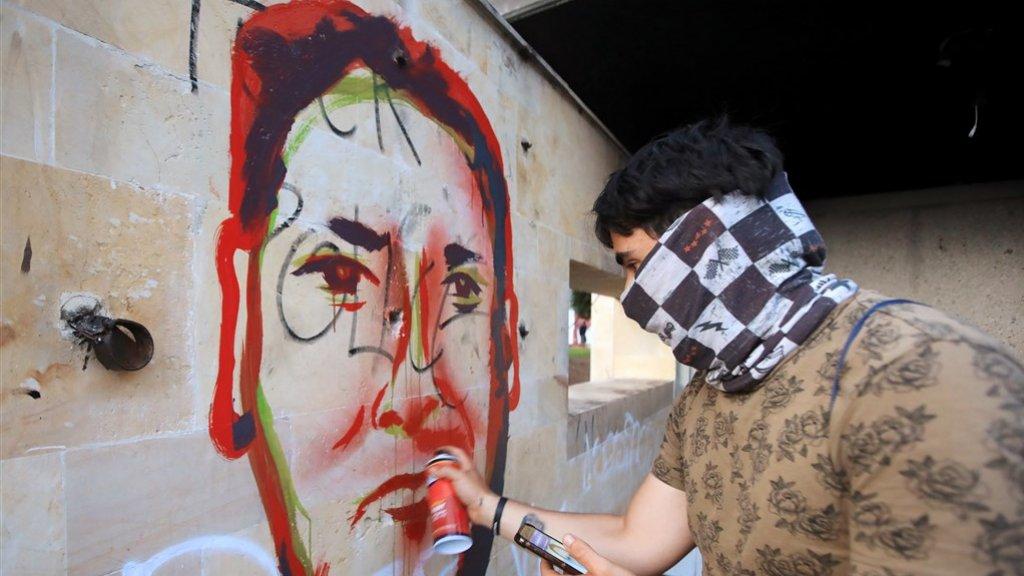 Overal wordt Ordoñez afgebeeld, als teken van protest